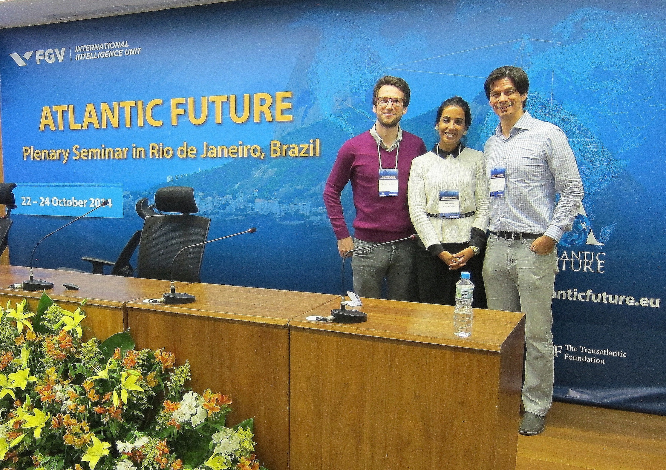 Frank Mattheis (left) and John Kotsopoulos at the ATLANTIC FUTURE second plenary meeting at FUNDAÇAO GETÚLIO VARGAS (FGV), in Rio de Janeiro (22-24 October) with meeting organiser Inês Sousa from the International Intelligence Unit of FGV.